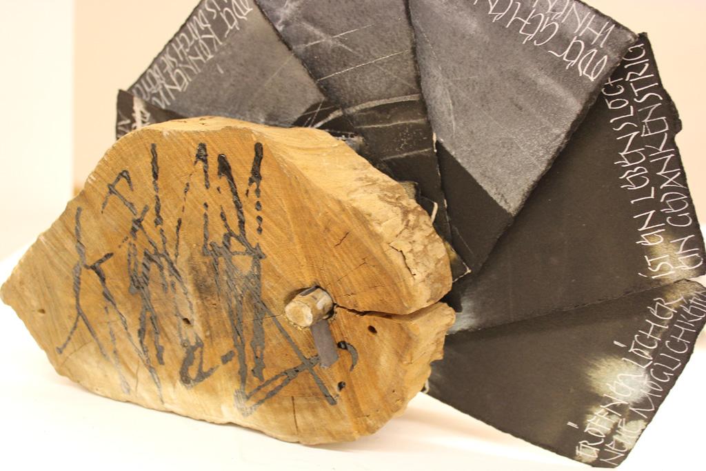 Lebenslöcher von Birgit Nass, Sonderausstellung 2012: Kontraste
