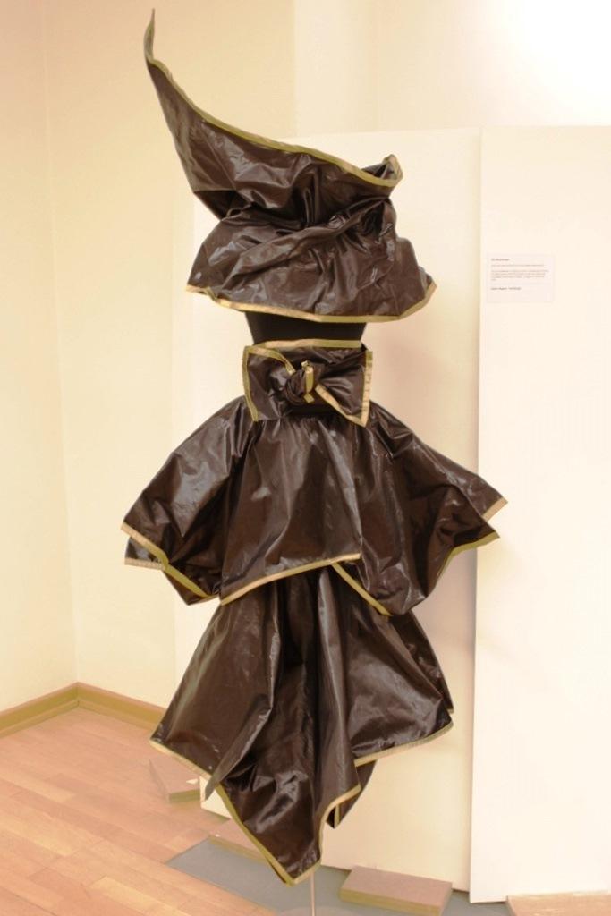 Die Moorkönigin von Sabine Wagner, Sonderausstellung 2013: anorganisch
