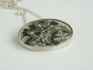 Silberkette mit Spitzenelement von Vera Schellhorn