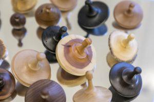 Holz-Kreisel von Gerhard Butzer