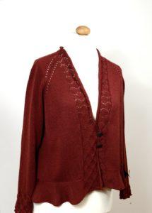 rote Strickjacke von Anne Heister
