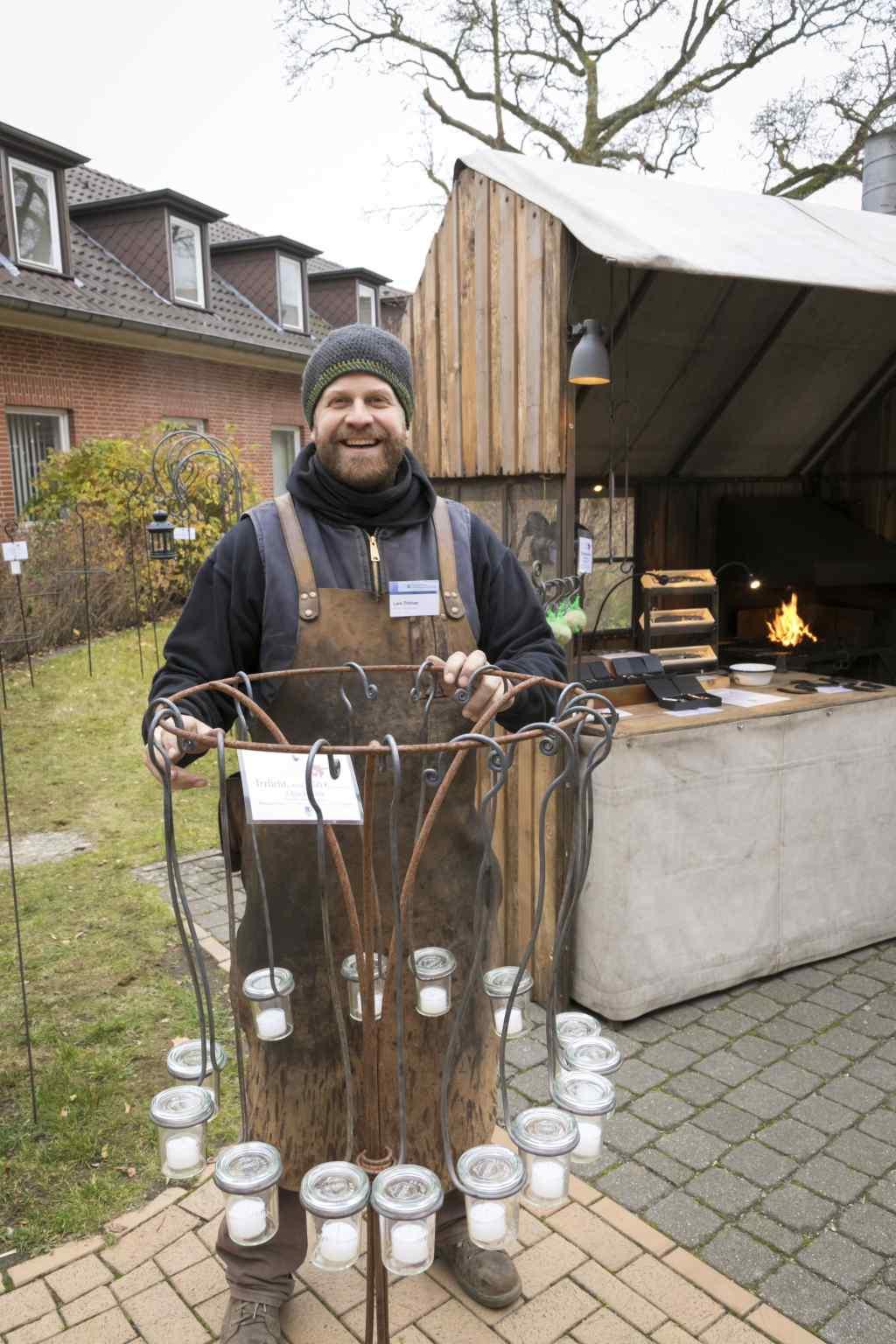 Ausstellung Kerzenhalter von Lars Dittmer