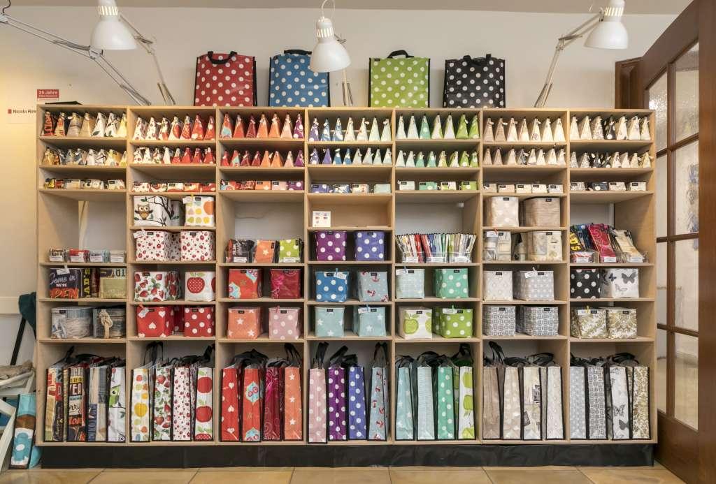 Ausstellung der Taschenvariationen von Nicola Reimers