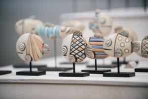 Keramik-Fische von Arndt Böhm