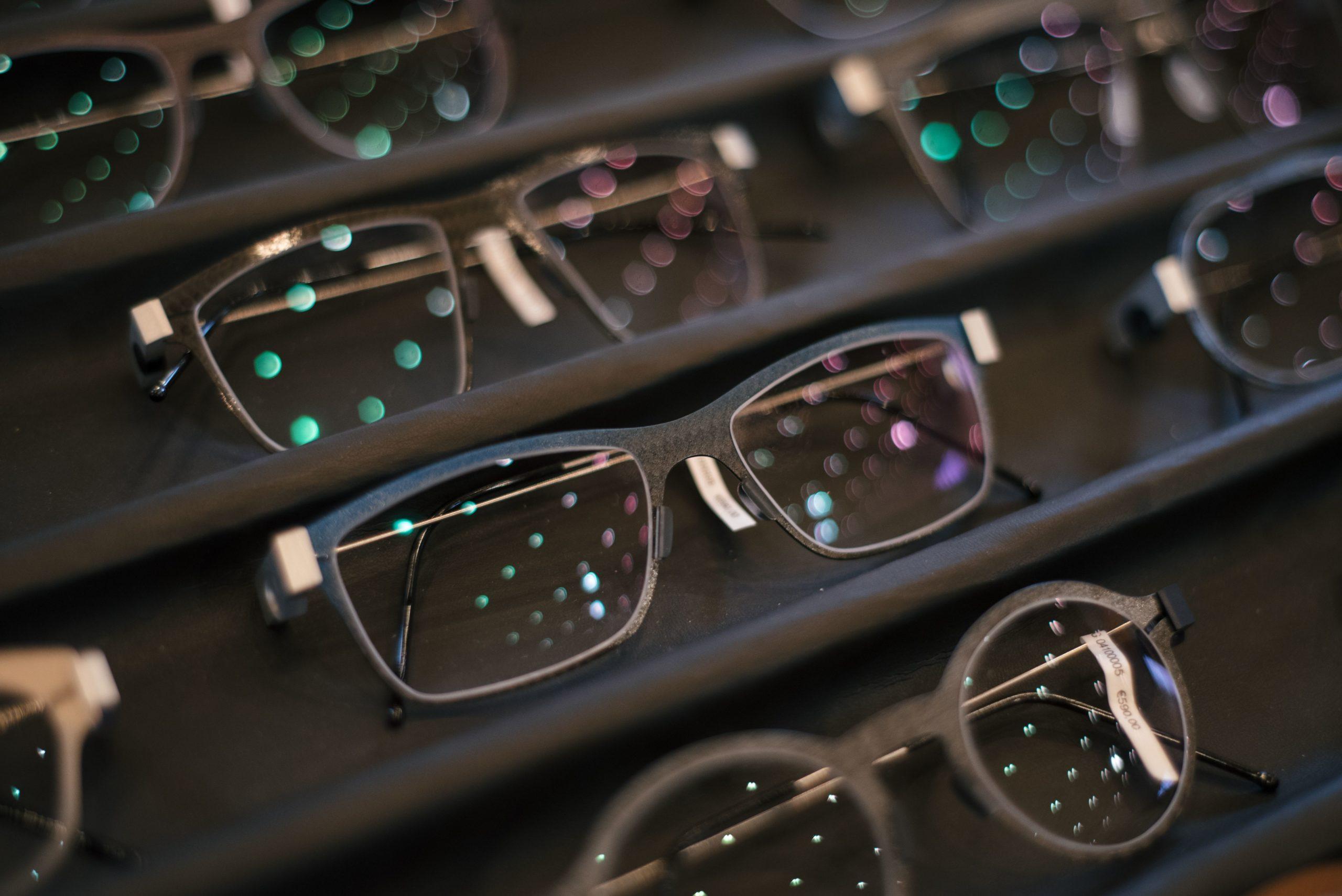 graue Carbon-Brille von Peter Resch